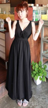 Korea-style black sexy v-neck sleeveless vest maxi - US$ 31.21