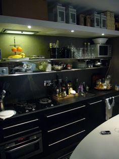 top cucina in nero assoluto fiammato realizzazione blancomarmoit arredi realizzati da oggetti