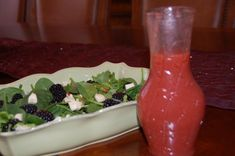 Wonderful/beautiful salad...with strawberry viniagretts....from The Sisters Cafe'.....