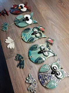 WOW-so cuteowls rule WOW-so cuteowls rule WOW-so cuteowls rule The post WOW-so cuteowls rule appeared first on Salzteig Rezepte. The post WOW-so cuteowls rule appeared first on Salzteig Rezepte. Hand Built Pottery, Slab Pottery, Ceramic Pottery, Pottery Art, Clay Birds, Ceramic Birds, Ceramic Clay, Clay Owl, Ceramic Pendant