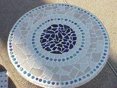 Simple Design - Change colors Mosaic Table Top