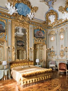 You Can Rent This Entire Roman Palace Designed by Vatican Artists - Palazzo Odescalchi, a Century Roman Palazzo, Is Available as a Luxury Home Rental – Condé N - Baroque Architecture, Beautiful Architecture, Ancient Architecture, House Architecture, Beautiful Buildings, Palazzo, Royal Bedroom, Master Bedroom, Baroque Bedroom