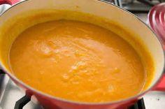 Soupe Potimarron thermomix, une délicieuse recette facile à réaliser avec votre thermomix, Une soupe pour dîner en famille ou entrée de repas.