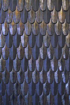 Interesting texture, depth and love the color cristina celestino / plumage per ceramiche botteganove Interior Desing, Interior Garden, Bathroom Interior Design, Luxury Interior, Cafe Interior, Interior Architecture, Cristina Celestino, Design Scandinavian, Design Exterior