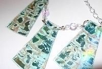 How to make a recycled necklace. CD Jewelry - Step 3