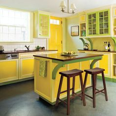 Another happy kitchen. Can one walk into a basket of lemons? Because that's what this feels like...