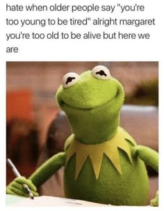 It's easy to laugh about being a Millennial with these super-relatable funny memes and quotes about what it's like to be part of Generation Y. If you were born between 1981 and see if you can relate to these funny millennial memes. 9gag Funny, Crazy Funny Memes, Really Funny Memes, Funny Laugh, Stupid Funny Memes, Funny Relatable Memes, Haha Funny, Funny Texts, Funny Stuff