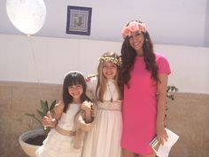 De Comunión/ Mi niña se hace grande #comunión #may #mayo #pink #look #flower #coronadeflores #fashion #invitadas #style #streetstyle #invitadasreales