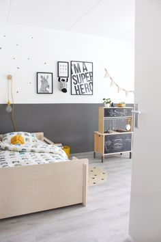 Kindergarten inspiration, kindergarten of a boy. Anthracite hard but with . Kids Bedroom Boys, Boy Room, Casa Kids, Nursery Decor, Room Decor, Baby Room Design, Simple Furniture, Toddler Rooms, Home Interior