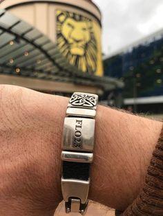 FLO23 in Scheveningen Love Bracelets, Cartier Love Bracelet, Bangles, Travel Around The World, Around The Worlds, Jewelry, Fashion, Bracelets, Moda