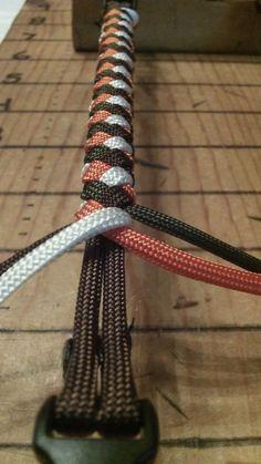 Paracord Armband/Halsband Rundgeflochten mit Kern, 4 Stränge