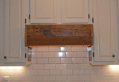 63 Ideas rustic wood kitchen island vent hood for 2019 Wood Range Hood, Kitchen Vent Hood, Stoves Range, Wood Kitchen, Kitchen Island Vent, Diy Outdoor Kitchen, Diy Kitchen, Wood Kitchen Island, Range Hood