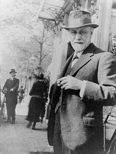 Karl Marx, Rainer Maria Rilke, Charles Darwin, Carl Jung, Friedrich Nietzsche, Dr Sigmund Freud, Dr Freud, Che Guevara, Religion
