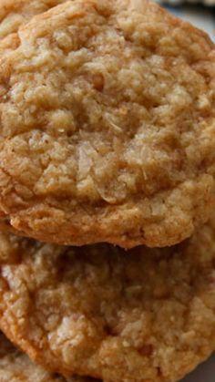 Brownie Cookies, Crinkle Cookies, Candy Cookies, Yummy Cookies, Chip Cookies, Cookies Et Biscuits, Coconut Cookies, Brownie Cake, Coconut Ranger Cookies Recipe