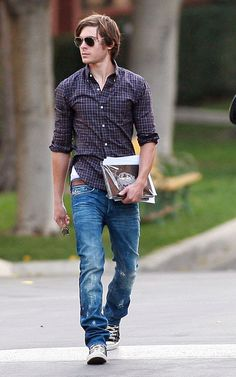 Zack Efron  ♥ I think I'm in love