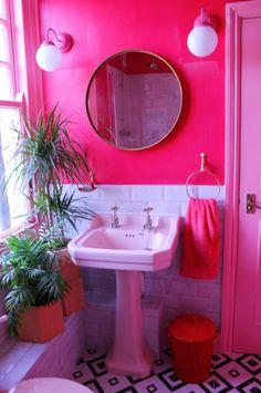 House Tour: Adventures in colour - The Chromologist