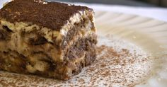 Comer un tiramisu en Italia. A truly authentic Tiramisu recipe, straight from Hostaria Antica Roma in Italy. Italian Desserts, Sweet Desserts, Just Desserts, Sweet Recipes, Delicious Desserts, Cake Recipes, Dessert Recipes, Yummy Food, French Recipes