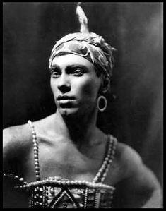 vintagedg:  Vaslav Nijinsky as the Golden Slave in the Fokine ballet of Rimsky-Korsavov's Schéhérazade, 1910