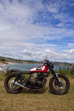 Best Motorcycles: Yamaha XJ650 Brat