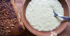 Kuchařka ze Svatojánu: JOGURTOVÁ POLÉVKA Pavlova, Camembert Cheese, Oatmeal, Dairy, Breakfast, Food, The Oatmeal, Morning Coffee, Rolled Oats