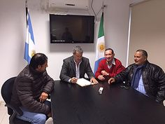 Defensor del pueblo de Chaco, Gustavo Corregido con trabajadores municipales                                                 www.chacoonline.com.ar