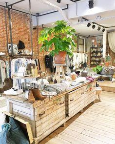 Last shopping  A #Amsterdam il y a de jolies boutiques à tous les coins de rues  #ailleursisbetter