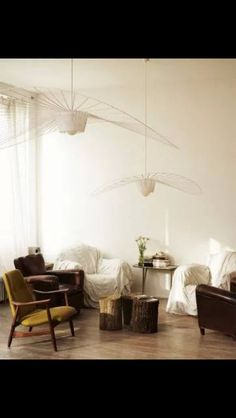The Vertigo pendant light is an icon of Petite Friture. Created by the designer Constance Guisset it aroused the enthusiasm of design professionals. Ceiling Rose, Ceiling Lamp, Ceiling Lights, Large Pendant Lighting, Black Pendant Light, Pendant Lamps, White Pendants, Pendant Lights, Home Lighting