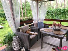 Jak urządzić drewniany taras? Moje sposoby na wyjątkowy klimat. - Twoje DIY Home Design Plans, Home Interior Design, Bahay Kubo Design, Outdoor Furniture Sets, Outdoor Decor, Cozy Place, House In The Woods, Beautiful Homes, Beautiful Things