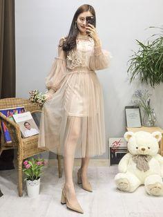 마리쉬♥패션 트렌드북! Korean Girl Fashion, Ulzzang Fashion, Korea Fashion, Asian Fashion, Daily Fashion, Runway Fashion, Fashion Outfits, Womens Fashion, Cute Dresses