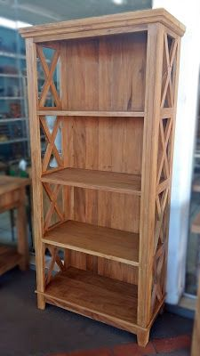 Beautiful bookshelf made from barn wood. Diy Pallet Furniture, Farmhouse Furniture, Woodworking Furniture, Rustic Furniture, Woodworking Projects, Woodworking Plans, Diy Wood Projects, Wooden Diy, Bookcase