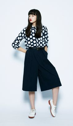 Everyday outfits recommended by stylists.The men's-style culottes pants match well with the imposing shirt. This is a great monotone, cool outfit when you're in the mood. Japan Fashion, Daily Fashion, Fashion Photo, Fashion Looks, India Fashion, Casual Outfits, Cool Outfits, Fashion Outfits, Womens Fashion