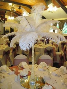 Centrepiece feathers