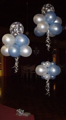 Winter Wonderland Cloud Balloons Snowflakes and pearls #balloons #clouds #balloondecorating @metamorphys
