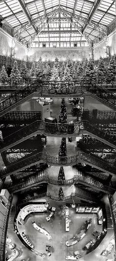Vue intérieure de La Samaritaine, #Paris © Arnaud Frich