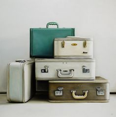 these old suitcase would make a great accent statement..Love this