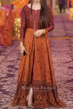 📲WhatsApp Worldwide shipping 🌍 Pre booking only other after complete work order shipping charges must be charged # maxidress Pakistani Fancy Dresses, Beautiful Pakistani Dresses, Pakistani Fashion Party Wear, Pakistani Wedding Outfits, Pakistani Dress Design, Fancy Dress Design, Bridal Dress Design, Stylish Dress Designs, Designs For Dresses