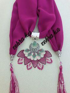 Zehraa_igneyle_takısanati sayfam Scarf Jewelry, Needle Lace, Moda Emo, Bargello, Piercings, Elsa, Jewels, Beads, Womens Fashion