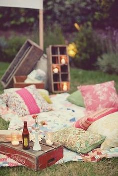 romantic plein air picnic setting theme ... Add: #diy #printables www.customweddingprintables.com