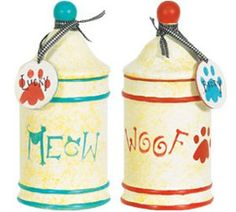 What a creative craft idea for the favorite pet in your life! These Pawfect Pet Treat Canisters are a great gift for Fido. Make one for your dog, cat or any other pet today!!
