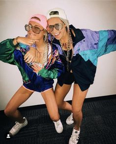 college halloween costumes for parties costumes college parties 32 Easy Costumes to Copy That Are Perfect for the College Halloween Party - By Sophia Lee Cute Group Halloween Costumes, Best Group Halloween Costumes, Couples Halloween, Fete Halloween, Cute Costumes, Halloween College, Easy Halloween, Group Costumes, Halloween Costumes For 3