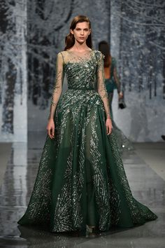 Showcasing his Autumn-Fall couture collection at Paris Fashion Week, Ziad Nakad has some of the most gorgeous dresses we've ever seen Look Fashion, Runway Fashion, Fashion Show, Paris Fashion, Fashion News, Fashion Women, Latest Fashion, Style Couture, Haute Couture Fashion