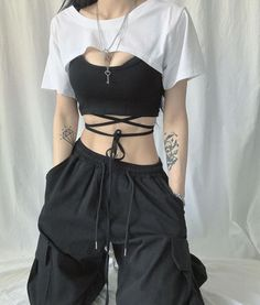 Egirl Fashion, Korean Girl Fashion, Kpop Fashion Outfits, Edgy Outfits, Mode Outfits, Retro Outfits, Grunge Outfits, Cute Casual Outfits, Black Outfits