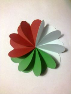 Independence Day Theme, Independence Day Activities, Newspaper Crafts, Book Crafts, Arts And Crafts, School Board Decoration, School Decorations, Bunny Crafts, Flower Crafts