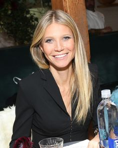 Gwyneth Paltrow, Blonde Hairstyles