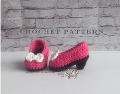 """Pint Size Pumps / Baby High Heels - CROCHET PATTERN  PLEASE READ: ** THIS LISTING IS NOT FOR FINISHED SHOES, it is for an instant download PDF Crochet Pattern to make the Baby Shoes as shown. ** Due to the nature of digital downloads there is no refund on digital products.   ƸӜƷ.•°""""˜˜""""°•.ƸӜƷ•°""""˜˜""""°•.ƸӜƷ•°""""˜˜""""°•.ƸӜƷ.•°""""˜˜""""°•.ƸӜƷ•°""""˜˜""""°•.ƸӜƷ•  Every girl needs a pair of fun yet sensible pumps to dress up any outfit. Make some in every color so your little princess is always fashionable.  P..."""