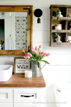 Cozy And Relaxing Farmhouse Bathroom Design Ideas01