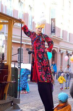 #Helsinki blogi: Helsingin kaupunginmuseon avajaiset 13.5.2016: Pertti Kurikan silinteri ja Hurjaruuthin hattarapäät