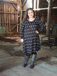The Emily is the dress of my dreams. Why? It's a long-sleeve tunic dress. I need all of the long sleeves as we head into the winter months here in Wisconsin. | LuLaRoe Emily Fit