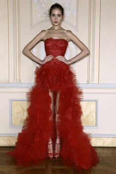 Zuhair Murad Spring 2013 Collection Haute Couture omg this is gorgeous! Zuhair Murad, Red Fashion, Couture Fashion, Fashion Models, Paris Fashion, High Fashion, Fashion Shoes, Fashion Dresses, Elegant Dresses
