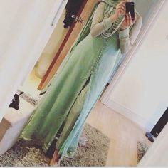 Ladies salwar kameez Indian Pakistani Suits. Chiffon Gown Suit